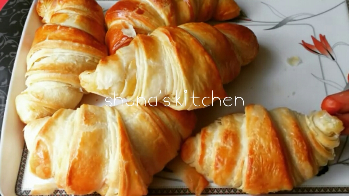 HOW TO MAKE CROISSANTS / JINSI YA KUTENGENEZA CROISSANTS